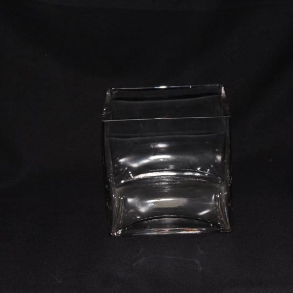 6 x 6 Square Vase 10 $4.00