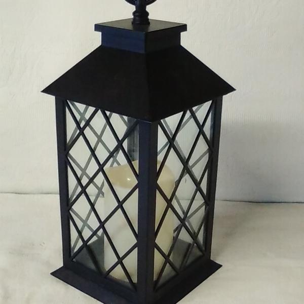 Black square lantern