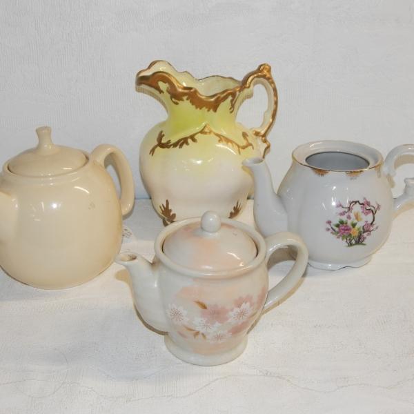 Tea pot set $16